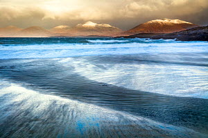 Winter landscape at Luskentyre beach, Isle of Lewis, Scotland, North Harris in the background. February 2018. - Theo  Bosboom