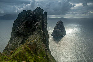 Stack Lee from the island of Boreray, St Kilda, Scotland, UK, May. - SCOTLAND: The Big Picture