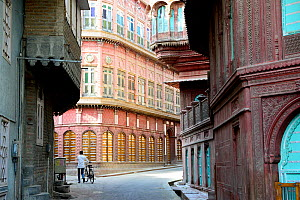Havelis in Old city, Bikaner, Rajasthan, India, October 2018.  -  Enrique Lopez-Tapia