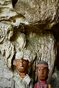 Tau tau, effigies of the dead carved in wood. Cemetery in Tana Toraja. Toraja ethnic group of West and South Sulawesi. Indonesia. 2015.  -  Enrique Lopez-Tapia