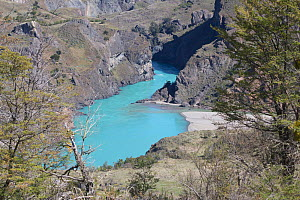 Rio Cochrane, glacial river, Valle Chacabuco, Patagonia, Chile, South America. - JIM CLARE