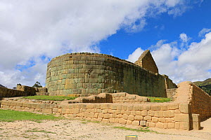 Inca temple of the sun, Ingapirca archeological complex. Canar province, Andes, Ecuador.  -  JIM CLARE