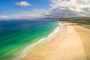 Traigh Scarasta on the Isle of Harris. Isle of Harris, Outer Hebrides, Scotland, UK, August.  -  SCOTLAND: The Big Picture