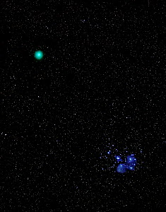 Widefield view of the comet 46P / Wirtanen buzzing past the Pleiades during the early morning hours. Echo Lake, Colorado, USA. September 17, 2018.  -  Charlie  Summers