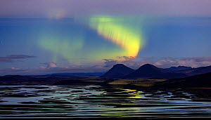 Northern lights (Aurora Borealis) over river delta, Southern Iceland. October 2017 - Espen Bergersen