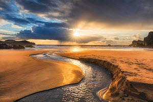 Mhangarstaidh Beach, Isle of Lewis, Outer Hebrides, Scotland, UK, March. - Guy Edwardes