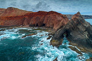 Angular unconformity on the coast. Marking two very distinct geologic periods, where the rocks formed under very different conditions. This shows a Variscan unconformity between the highly-folded grey...  -  Luis Quinta