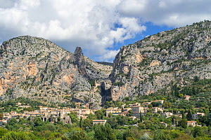 The village Moustiers-Sainte-Marie in the Alpes-de-Haute-Provence, Provence-Alpes-Cote d'Azur, Provence, France. September 2018  -  Philippe Clement