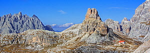 Mountain refuge Dreizinnenhutte / Rifugio Antonio Locatelli in front of the mountain Torre di Toblin / Toblinger Knoten in the Dolomites, Tyrol, Italy, October 2019  -  Philippe Clement