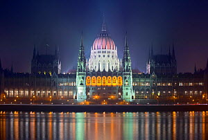 Parliament building illuminated at night, Budapest, Hungary, December 2005.  -  Guy Edwardes