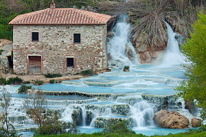 Cascate del Mulino (Mill Waterfall), Saturnia geothermal spring, Saturnia, Tuscany, Italy, April 2010.  -  Guy Edwardes