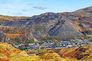 Blaenau Festiniog with spoil heaps from the disused slate mines behind North Wales UK October 2019.  -  Alan Williams