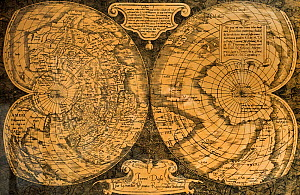 1538 double-heart-shaped projection world map, cordiform map projection by Flemish cartographer Gerardus Mercator  -  Philippe Clement
