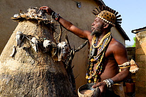 Somba chief and priest of Boukoumbe participating in Vodoo ceremony. Benin, 2020.  -  Enrique Lopez-Tapia