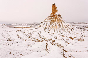 Snow covered Castildetierra mountain and surrounding badlands. Bardenas Reales Natural Park. Navarre. Spain. December 2008.  -  Eduardo Blanco