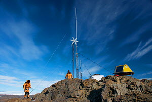 Maintenance of a meteorological station, Vestfold Hills, Antarctica February 2007  -  Fred Olivier