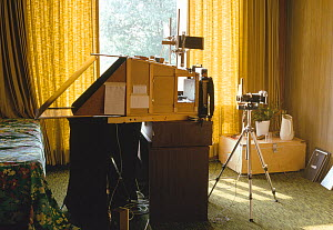 Set-up for high-speed insect flight photography, Florida.  -  Stephen  Dalton
