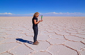 Forced Perspective photo of a giant in the saltflats of Salar de Uyuni, Bolivia.  -  Mark Taylor
