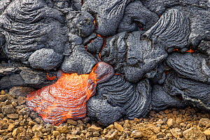 Close-up of the edge of the lava field, Fagradalsfjall volcano. 4 April 2021.  -  Theo  Bosboom