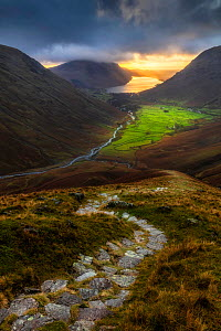 Path leading towards Wasdale Head and Wast Water from the summit of Great Gable, Lake District National Park, Cumbria, England, UK. December 2020  -  Guy Edwardes