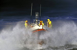 Coutmacsherry lifeboat in heavy weather, Ireland.  -  Rick Tomlinson