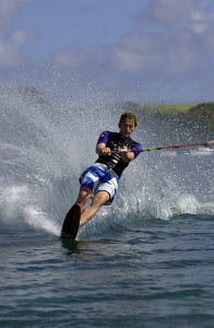 A waterskier making a turn. Mauritius, Indian Ocean. July / August 2004.  -  Franck Socha