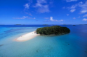 A small island with sandy beach in the Northern Vava'u island group, Tonga, South Pacific.  -  Onne van der Wal