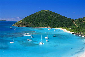 Boats moored in front of White Bay on Jost Van Dyke Island (JV Dyke), also known as Barefoot Island, British Virgin Islands (BVI) - Roberto Rinaldi