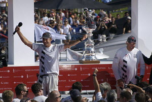 "Ernesto Bertarelli, head of ""Alinghi"", addressing the crowds after winning the 32nd America's Cup, Valencia, Spain, July 2007.  -  Franck Socha"