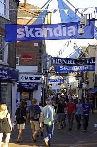 High Street during Skandia Cowes Week, Solent, UK day 2, Sunday August 5, 2007. - Rick Tomlinson