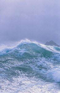 Rough seas Antarctica  -  Peter Scoones