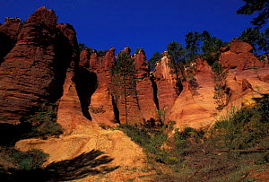 Ochre cliffs Roussillon Provence France  -  Mike Read