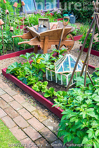 how to make a cloche for raised bed