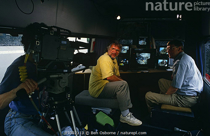 Bill Oddie and Peter Holden in outside broadcast Bird in the Nest series during filming, 1994, BBC,ENGLAND,EUROPE,FILMING,MONITORS,NHU,OUTSIDE BROADCAST,OUTSIDE BROADCAST,PRESENTERS,UK,VEHICLES,United Kingdom,British, Ben Osborne