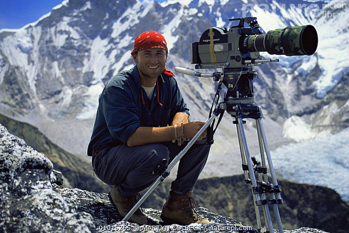 Camerman Martyn Colbeck filming in Nepal at 18,300 feet 1990s  ,  ALPINE,FEET,FILMING,INDIAN SUBCONTINENT,NHU,PEOPLE,PORTRAITS,Asia  ,  MARTYN COLBECK