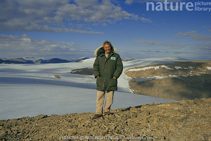 "Sir David Attenborough on Ellesmere Island, on location for. ""Private Life of Plants"" 1995.  ,  ARCTIC,NHU,PEOPLE,PLANTS,PORTRAITS  ,  NEIL NIGHTINGALE"
