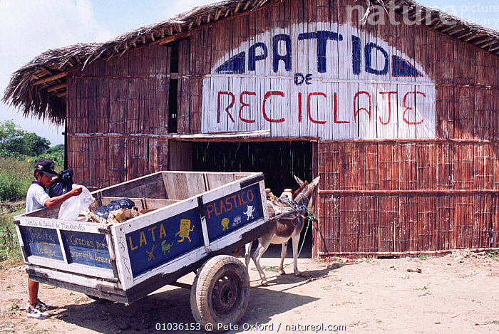 Waste recycling project, Pro Pueblo Foundation, Manglaral to town, Ecuador  ,  BUILDINGS,CENTRAL AMERICA,CONSERVATION,EDUCATION,PEOPLE,PROJECTS,SOUTH AMERICA,VEHICLES  ,  Pete Oxford