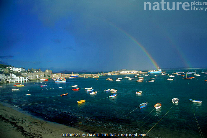 Rainbow over Hugh Town, St Mary's, Scilly Isles, UK, Europe  ,  BOATS,COASTAL WATERS,ENGLISH,EUROPE,HORIZONTAL,HUGH,ISLANDS,MARY'S,RAINBOWS,ST,TOWN,UK,UNITED KINGDOM,VILLAGES,WEATHER,British,BRITISH ISLES, CORNWALL, United Kingdom,ENGLAND, CORNWALL, United Kingdom  ,  DAVID TIPLING