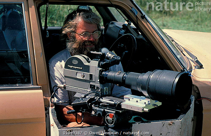 Owen Newman, cameraman, filming, Luangwa NP, Zambia 1996  ,  CAMERA,FILM,PEOPLE,RESERVE,SOUTHERN AFRICA,VEHICLES,WILDLIFE  ,  Owen Newman