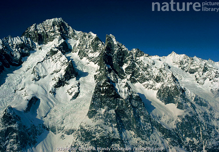Mont Blanc and south ridge of the Noire, French Alps, Europe  ,  HORIZONTAL,MONT,FRENCH,MOUNTAINS,ALPS,RIDGE,BLANC,NOIRE,SNOW,SOUTH,Europe  ,  Leo & Mandy Dickinson
