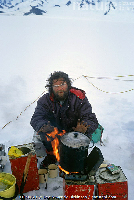 Leo Dickinson cooking on the Patagonia Ice Cap  ,  COOKING,ICE,MOUNTAINEERING,OUTDOOR PURSUITS,PEOPLE,PORTRAITS,SOUTH AMERICA,SURVIVAL,VERTICAL  ,  Leo & Mandy Dickinson