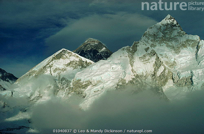 Himalayas with Mt Everest in background taken from Kala Patar, Nepal  ,  ASIA,CLOUDS,INDIAN SUBCONTINENT,LANDSCAPES,MOUNTAINS,SNOW,STORMS,Weather  ,  Leo & Mandy Dickinson