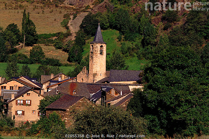 Church in Boren village, Pyrenees, Lerida, Spain, Europe  ,  BOREN,BUILDINGS,CHURCH,HIGHLANDS,HORIZONTAL,LERIDA,PYRENEES,TRADITIONAL,VILLAGES ,CHURCHES,Europe  ,  Jose B. Ruiz