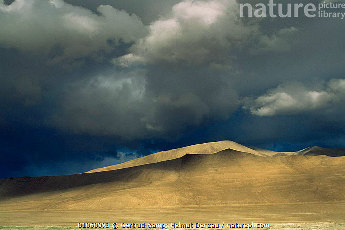 Dramatic Tibetan plateau landscape, with dark stormy sky, Ladakh, North East India, ALPINE,ASIA,CLOUDS,DRAMATIC,HIGHLANDS,INDIAN SUBCONTINENT,LANDSCAPES,MOUNTAINS,plateau,RAIN,SKY,STORMS,Weather,INDIAN-SUBCONTINENT, Gertrud & Helmut Denzau