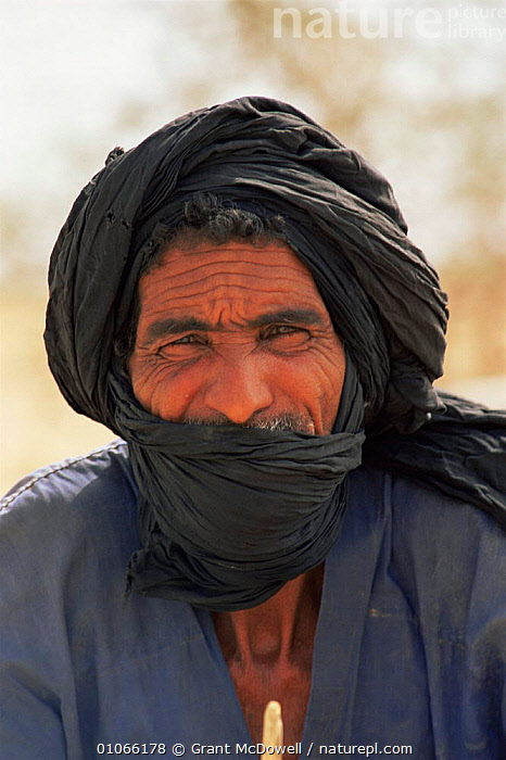 Bedouin man, Mali, West Africa, AFRICA,FACES,NORTH AFRICA,PEOPLE,PORTRAITS,TRADITIONAL,TRIBES,VERTICAL,WEST AFRICA,NORTH-AFRICA, Grant McDowell
