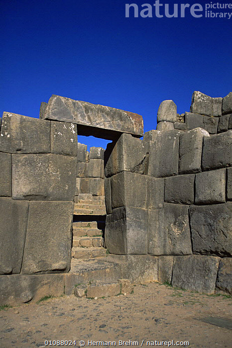 Stone door detail Saqsaywaman, historial Inca site close to Cusco, Peru, South America, ANCIENT,ARCHITECTURE,BUILDINGS,CIVILISATIONS,CIVILIZATIONS,CONSTRUCTION,CULTURES,OLD,PEOPLE,SOUTH AMERICA,TRADITIONAL,TRIBES,VERTICAL,WALLS,SOUTH-AMERICA, Hermann Brehm