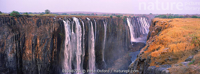 Victoria Falls landscape, Zimbabwe,Africa, RIVERS,PANORAMIC,WATER,LANDSCAPES,WATERFALLS,SOUTHERN AFRICA, Pete Oxford
