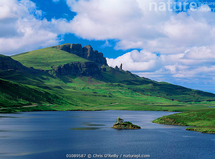The Storr mountain and Loch Leathan, Isle of Skye, Inner Hebrides, Scotland, UK, atlantic ocean,EUROPE,Hebrides,Islands,LAKES,LANDSCAPES,MOUNTAINS,rock formations,SCOTLAND,SUMMER,UK,United Kingdom,Marine,Geology,British, United Kingdom, United Kingdom, United Kingdom, Chris O'Reilly