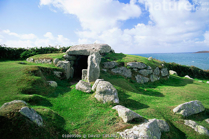 Bant's Carn burial chamber, St Mary's, Isles of Scilly, Cornwall, UK, ANCIENT,COASTS,CORNWALL,ENGLAND,EUROPE,LANDSCAPES,UK,United Kingdom,British, United Kingdom, United Kingdom, DAVID TIPLING