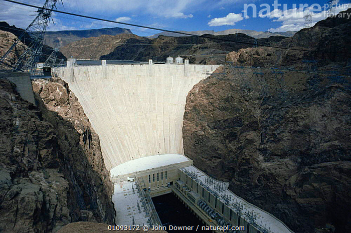 Hoover dam and electrical power station (built in 1936) near Las Vegas, Arizona, USA  ,  construction,dams,ENERGY,LANDSCAPES,MACHINERY,manmade,modern methods,NORTH AMERICA,reservoirs,RIVERS,USA  ,  John Downer